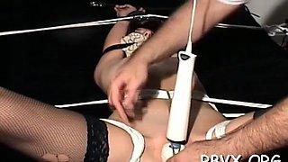 girl cums in bondage scene film video 1