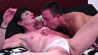 Young guy banging a shaved old granny