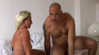 pierced hottie gets fucked then he cleans her up.bi  three some?