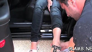 Glamour babe gets feet and muff licked by her slave