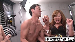Real Japanese Schoolgirl In A Fuck And Suck Gangbang - NipponCreampie