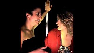 Italian lesbian story in elevator