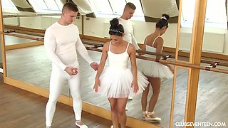 Flexible ballerina Keira is making love with her dance partner