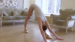Flexible ballerina
