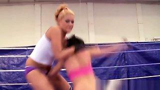 Lesbo Babe Fingering Herself After Wrestling