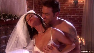 Bride India Summer gets a hardcore fuck on her first wedding night