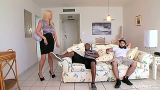 Boobilicious mommy Karen Fisher fucks horny black dude