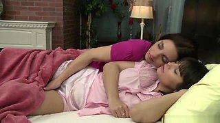 Mindi Mink Seducing A Lesbian Teen