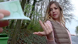 Russian loves daylight outdoor sex