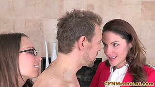 Realtor babe seduces client for pussyfucking