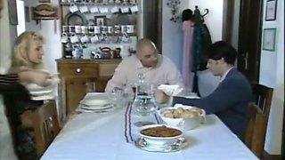 Penelope, una domestica particolare [Italian Vintage Porn] (1994)