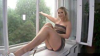 Glamorous Hottie Is Flashing Her Opened Slim Twat In Close U