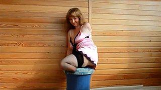 Amputee midget posing teasingly in amateur video