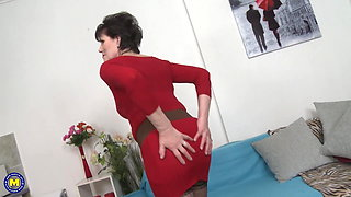 Taboo home sex with hungry mature mother