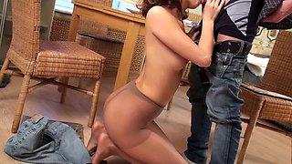 Marvelous girl loves cunnilingus through her nylon pantyhose