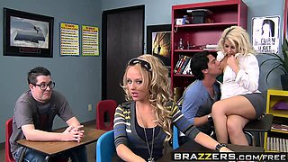 Brazzers - Big Tits at School - Paying Her Un