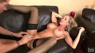 Dude fucks busty Brandi Love aka elder sister of his girlfriend