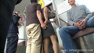 Miyuki Yokoyam gets her Japanese coochie fingered to orgasm in a bus