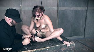 Suspended upside down whore Stephie Staar gets her pussy punished