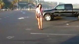 Queeny Love - Parking Pee
