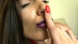 Babe Donaann21 Flashing Boobs On Live Webcam Part 05