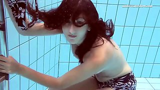 hot girl sima shows her seductive pussy while swimming underwater