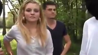 French slut enjoys action in the park