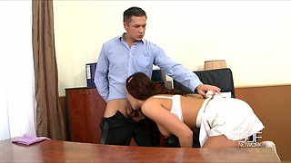 Juggy secretary seduces her boss with jaw dropping assets