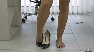 busty girl masturbates extreme