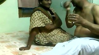 Delightful Indian Aunty Drilled by Mature Boyfrend on Hidden Livecam