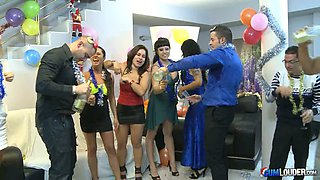 Nuria Samoa & Noemi Jolie & Laura Moreno & Jenny Hard & Gigi Love in New Year Eve orgy