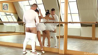 Cute dancer Rosaline Rosa is curious about a massive boner