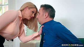 Beautiful Brooklyn Chase gets her pussy licked and then penetrated