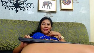 Latina chats and squirts milk out of her tit