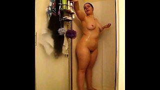 Cheating BBW girl Gina cums in shower - CassianoBR