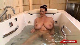 Big tits pornstar dildo with cumshot