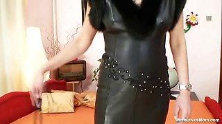 Hot domina lady performs filthy masturbation