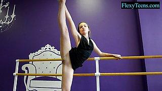 Sexy amateur ballerina flexible tease