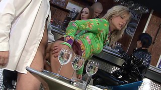 Lellou and other babes like it when they all get fucked together