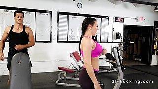 Sneaky girlfriend bangs guy at the gym