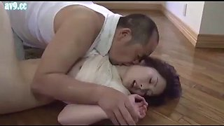 Japanese housewife gets forced by gardener (full: shortina.comozwfw)