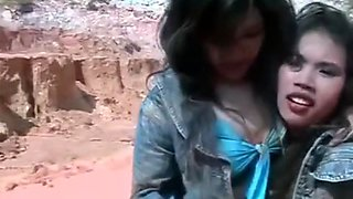 thai girls in mud 2