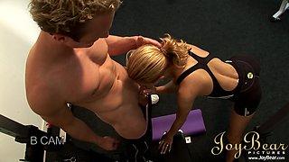 Sporty babe fucking like sluts